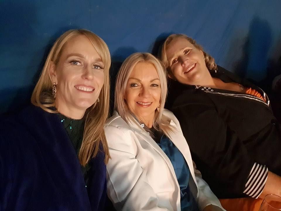 Leanne, Trudi and Tracey. Kickin back, back stage